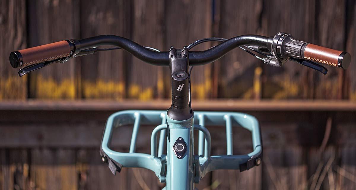 2021 Schindelhauer Emil Emilia porteur-style rack cockpit view, ebikemotion Pinion urban commuter city e-bikes
