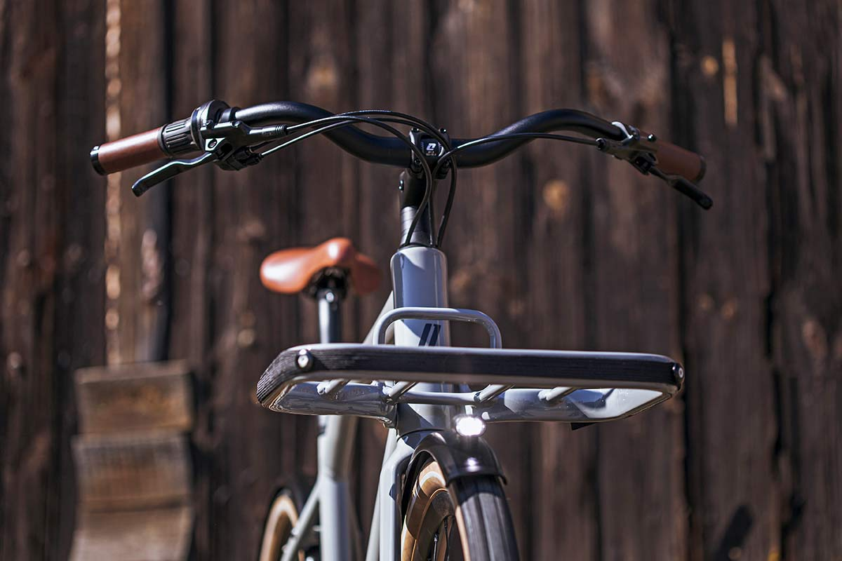 2021 Schindelhauer Emil Emilia porteur ebikemotion Pinion urban commuter city e-bikes,rack front view