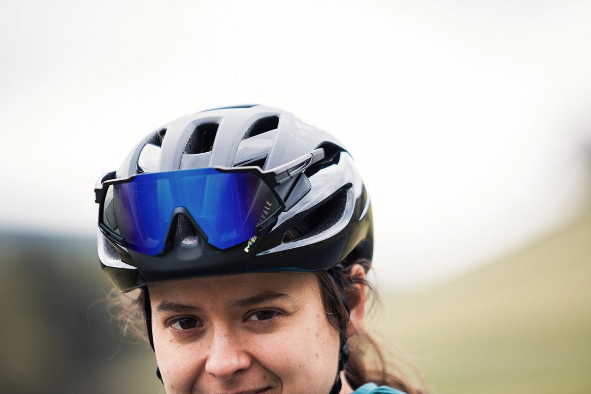 met rivale road helmet sunglasses storage vents