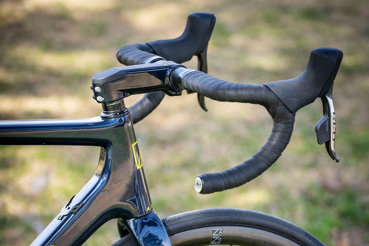 allied cycle works echo stem integrated cables stealth routing through headset