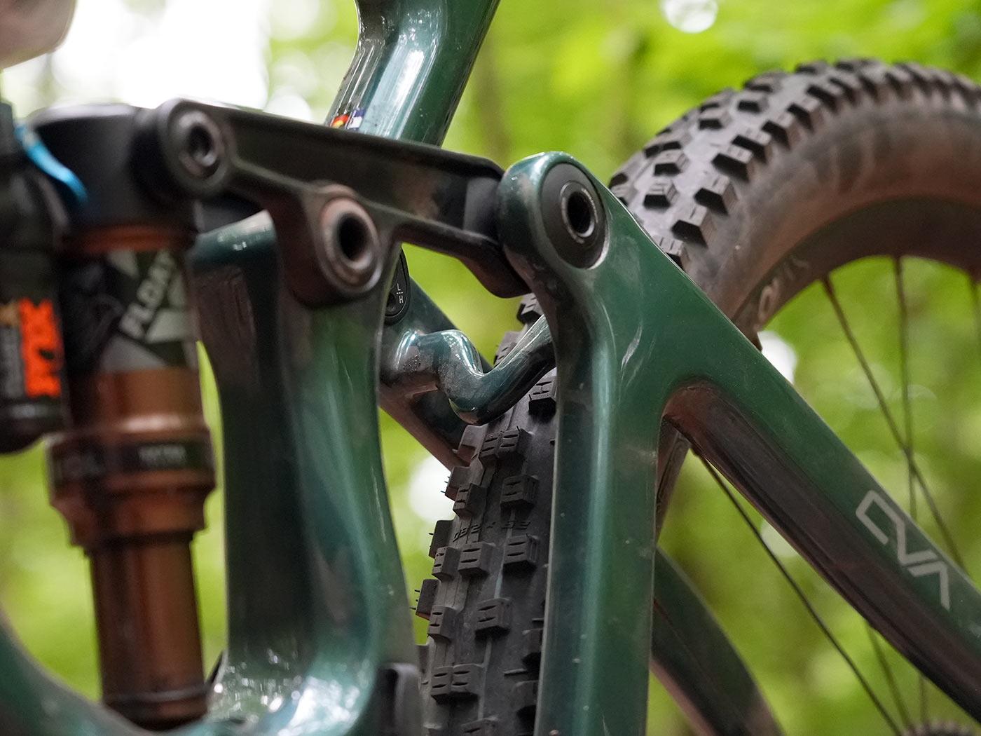 tech details and closeup linkage photos of the 2022 niner jet 9 rdo trail mountain bike