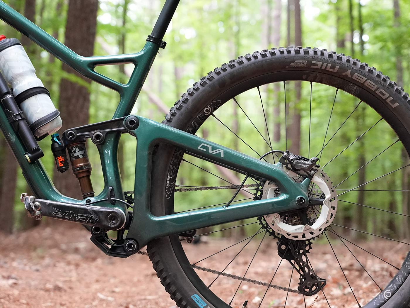 tech details and closeup rear suspension photos of the 2022 niner jet 9 rdo trail mountain bike