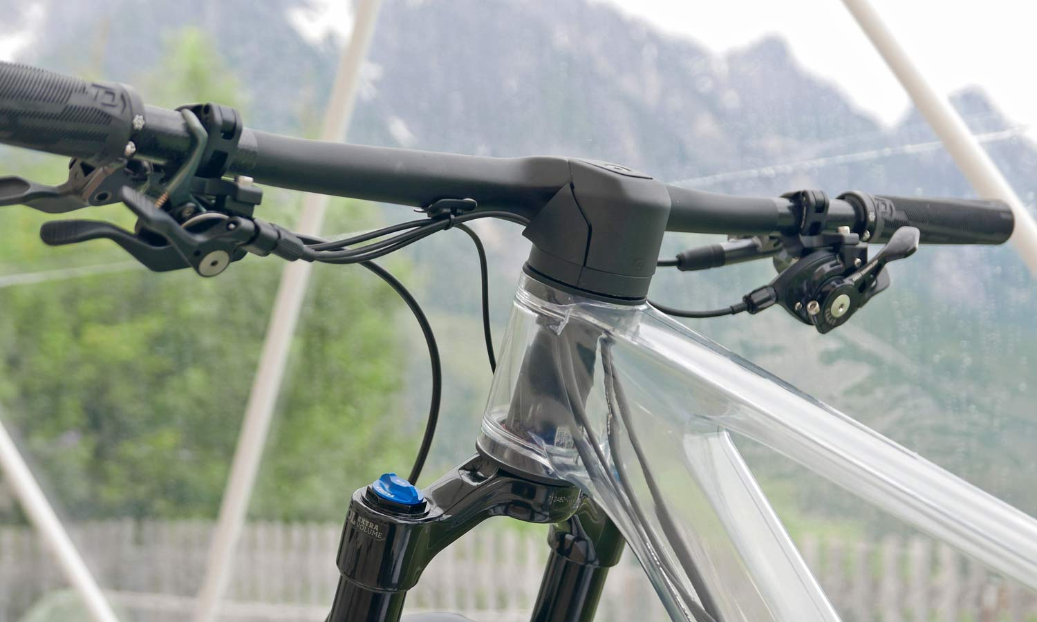 2022 Scott Spark RC & 900 XC trail mountain bikes, light fully-integrated cross-country MTB,inside
