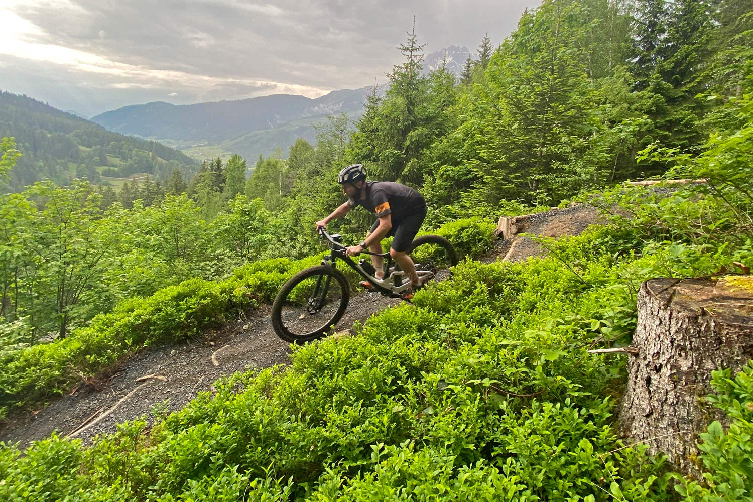 2022 Scott Spark RC & 900 XC trail mountain bikes, light fully-integrated cross-country MTB,turn