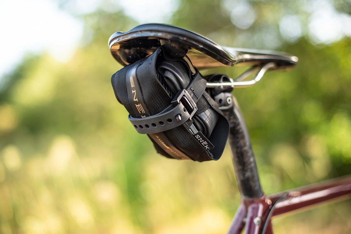snek vital case tool holder saddle bag