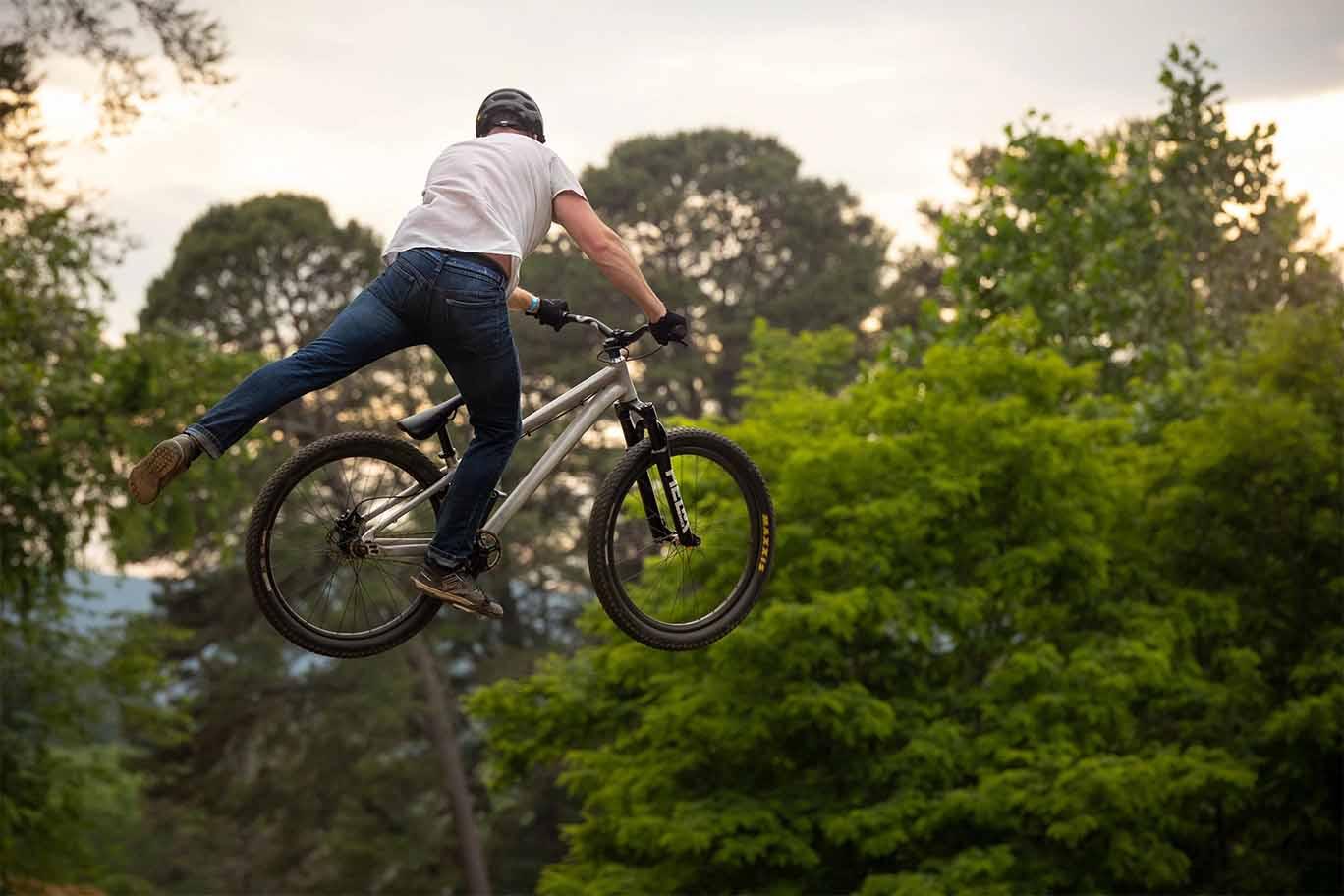 Cane Creek Helm DJ suspension fork jumping