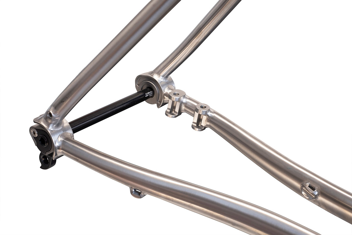 thomson piedmont titanium gravel bike 700c x 44c tire clearance