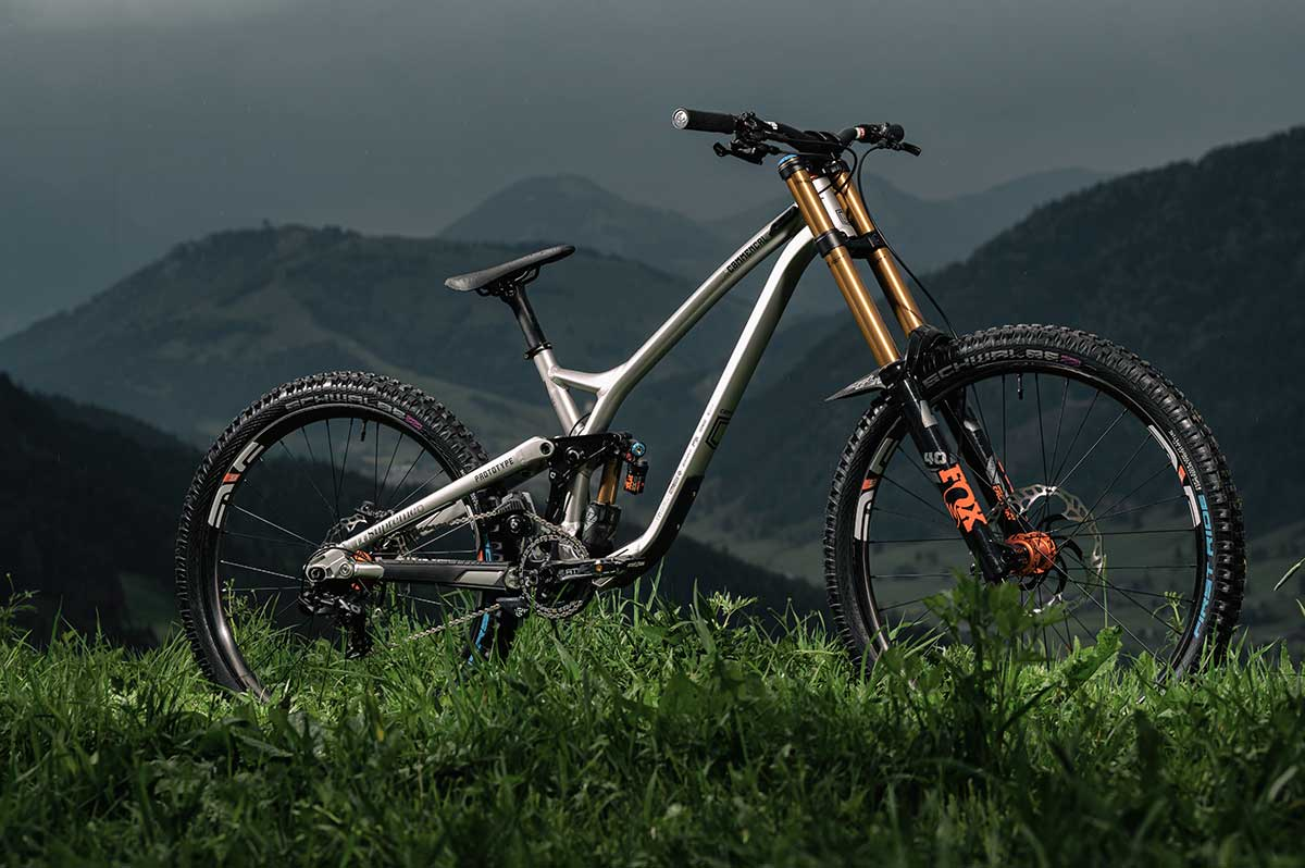 commencal supreme dh prototype downhill bike amaury pierron leogang