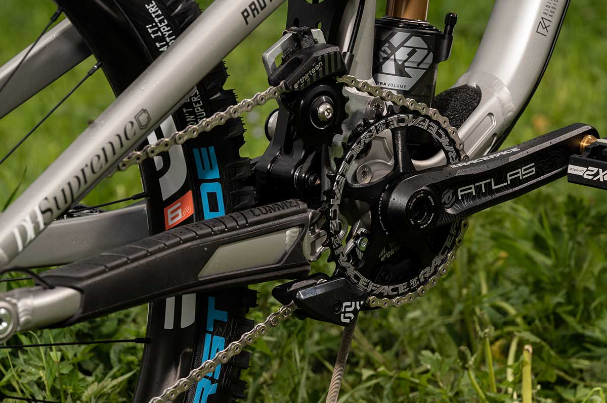 commencal supreme dh chain idler fixed position