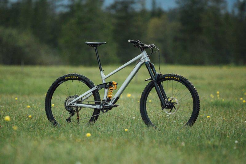 raaw madonna v2.2 complete bike with ohlins coil shock
