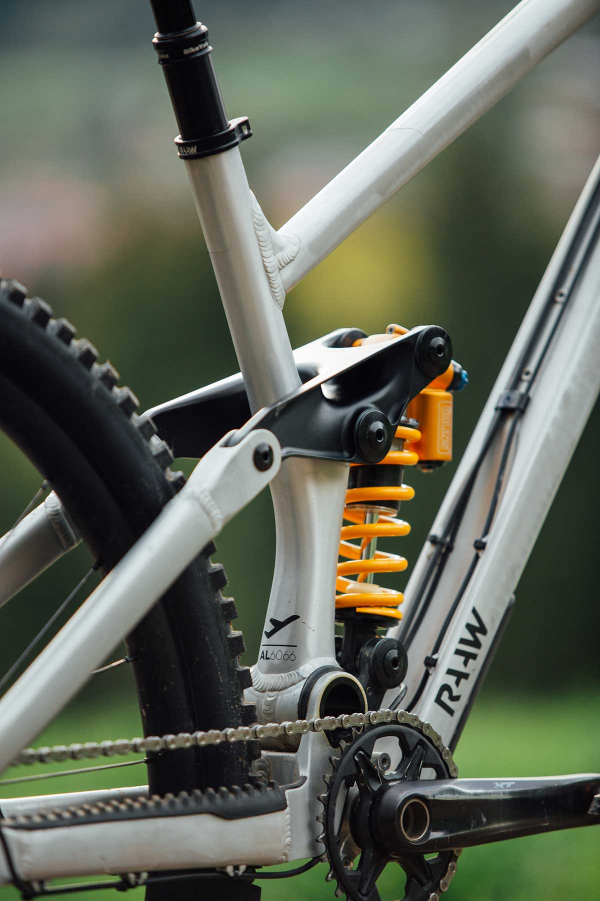 raaw madonna v2.2 redesigned around single piece hydroformed aluminium seat tube lighter stronger