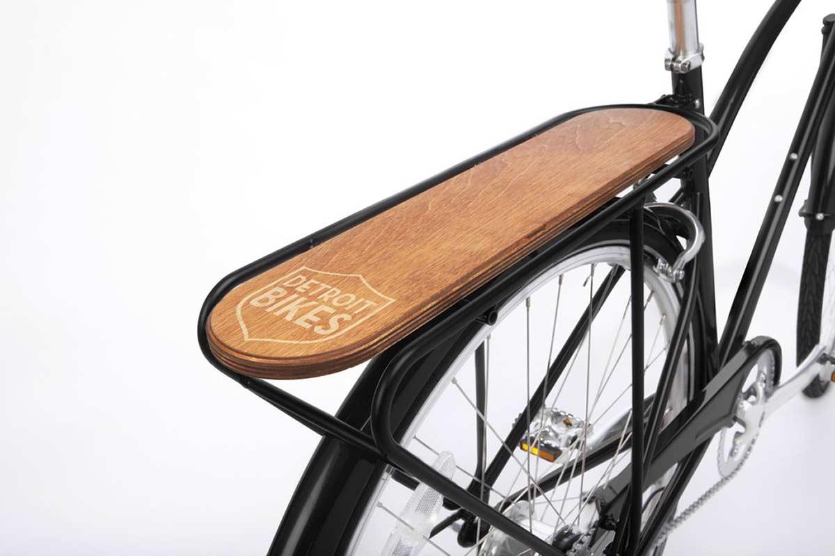 detroit bikes city cruiser commuter bike with pannier rack