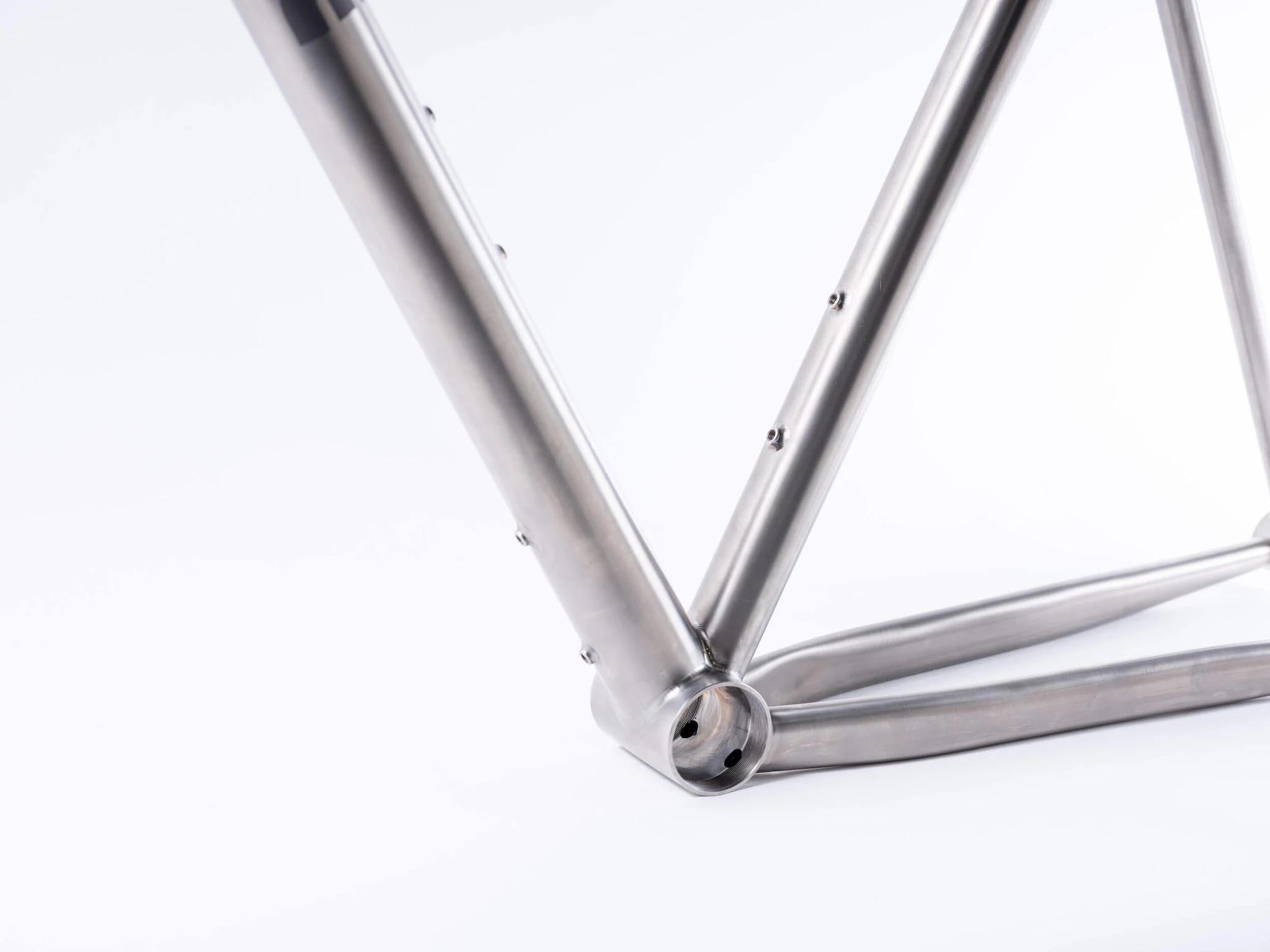 Ritte Satyr 2.0 titanium gravel frame bottom bracket