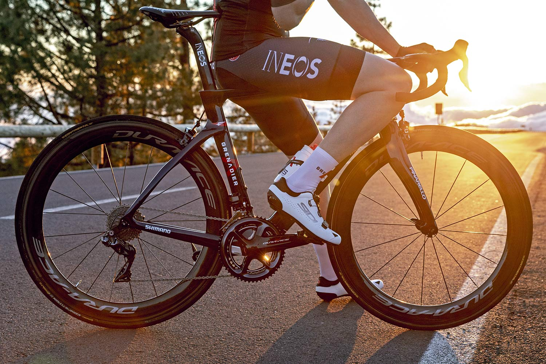 2022 Pinarello Dogma F curvy aero carbon road race bike, INEOS Grenadiers rim brake