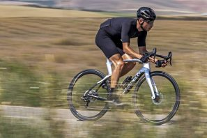 2022 Pinarello Dogma F curvy aero carbon road race bike, disc brake riding