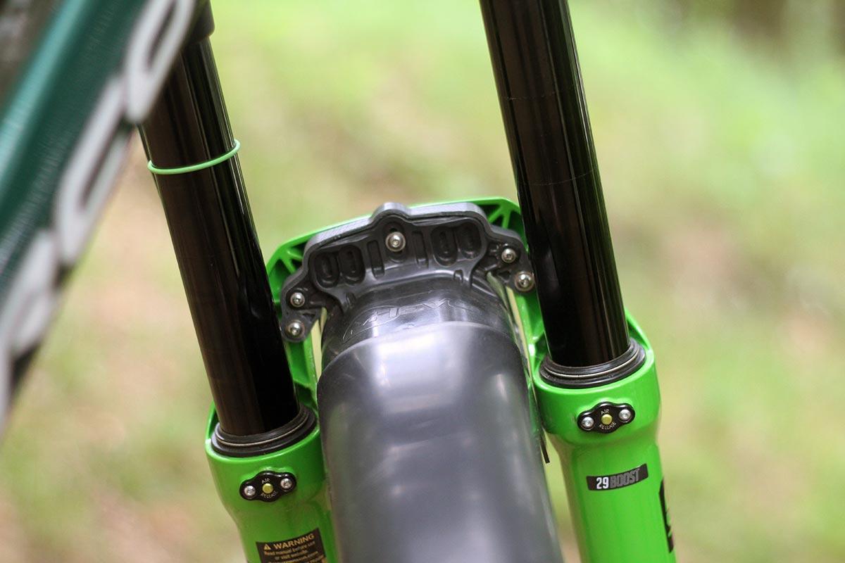 prototype mudhugger bolt on for dvo forks