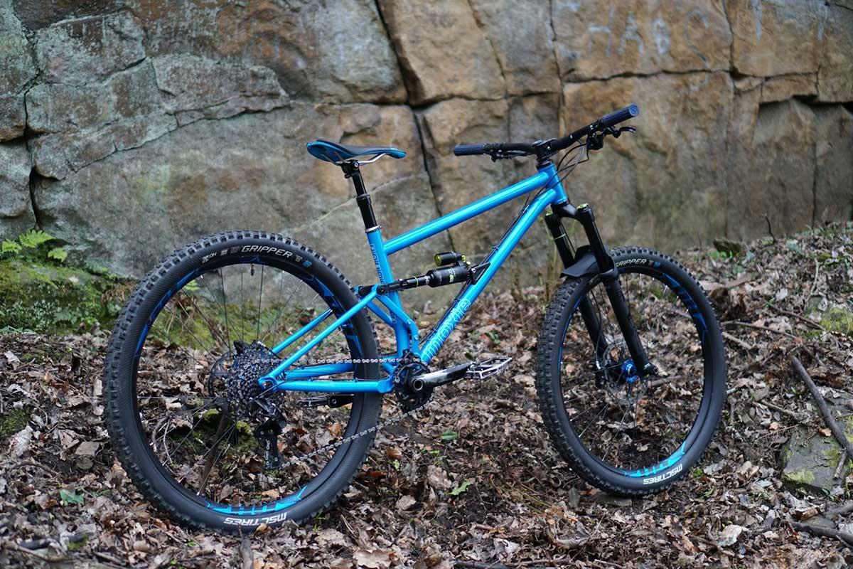 pipedream full moxie complete bike blue