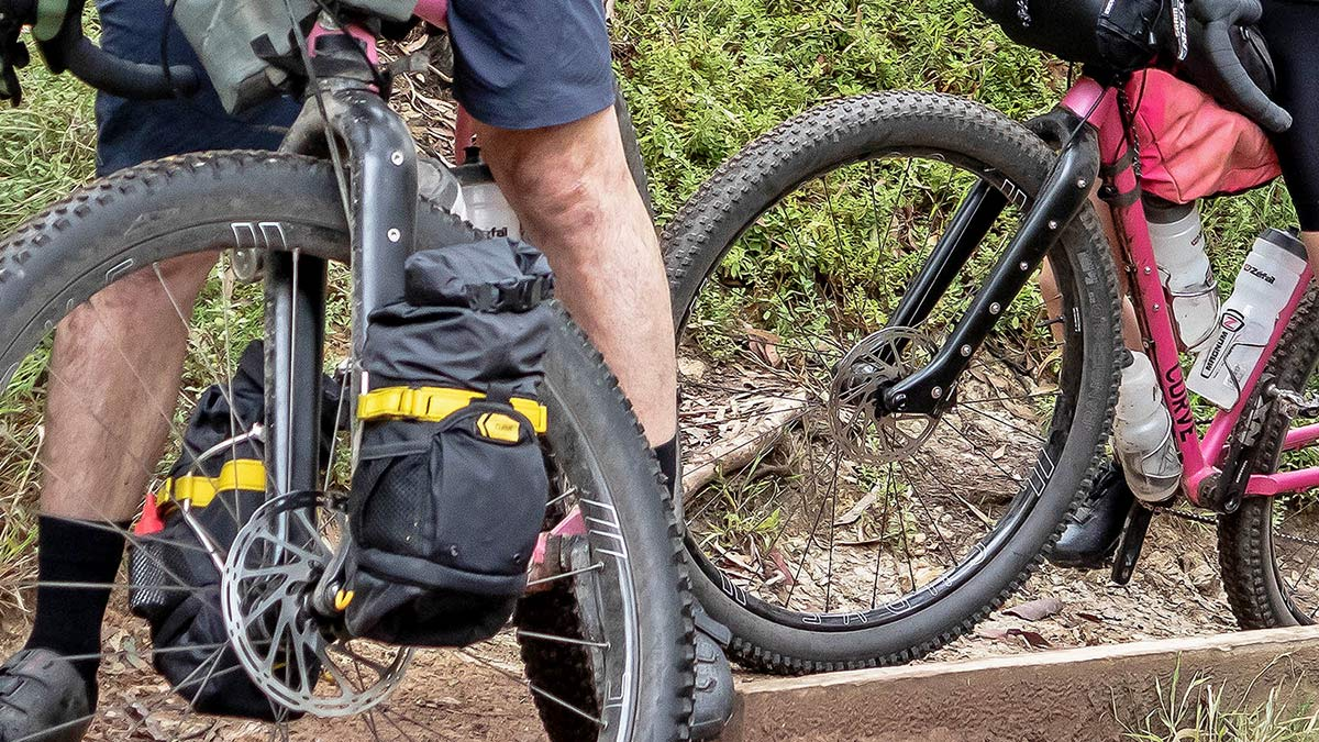 """Curve GMX+ Carbon monster gravel off-road adventure bikepacking fork for 29x3"""" tires, riding"""