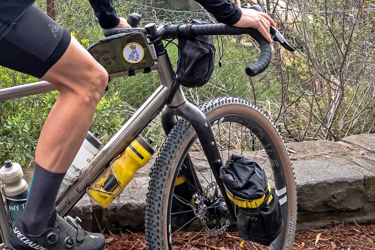 "Curve GMX+ Carbon monster gravel off-road adventure bikepacking fork for 29x3"" tires, loaded"