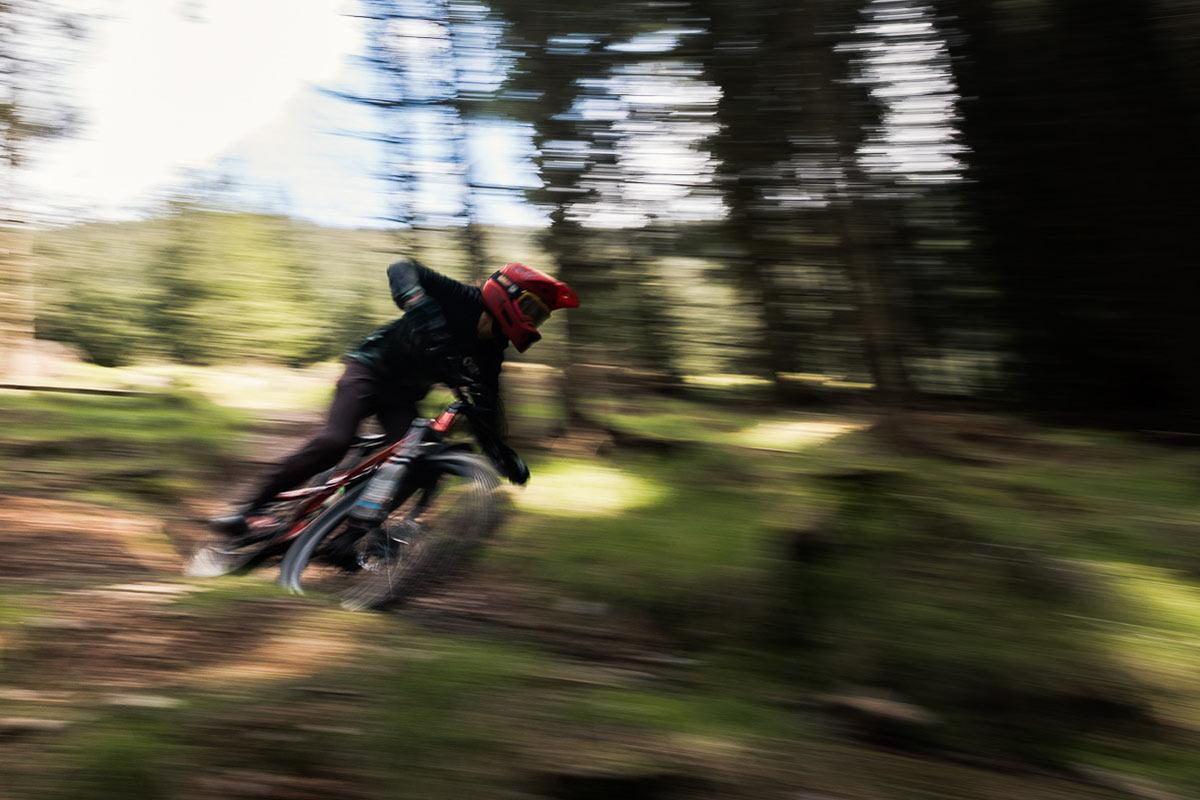 leatt 1.0 dh full face helmet downhill mountain biking