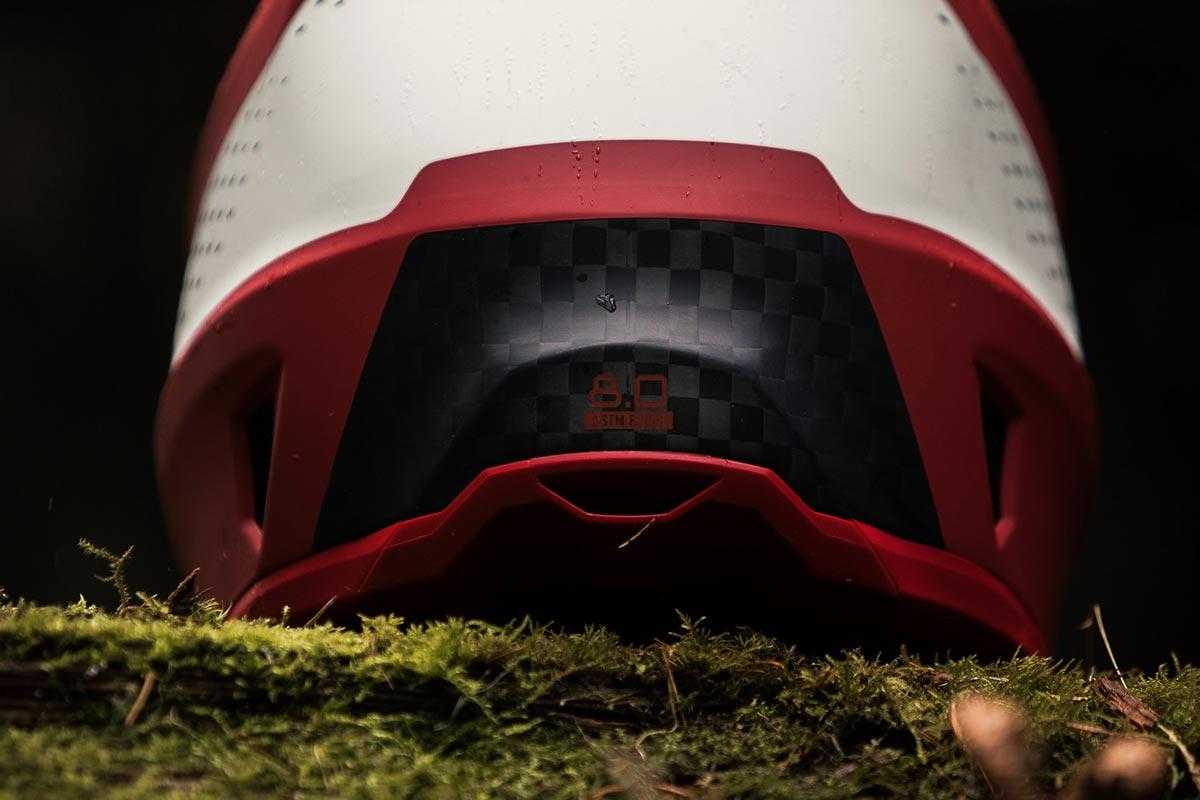 leatt 8.0 dh composite shell downhill helmet