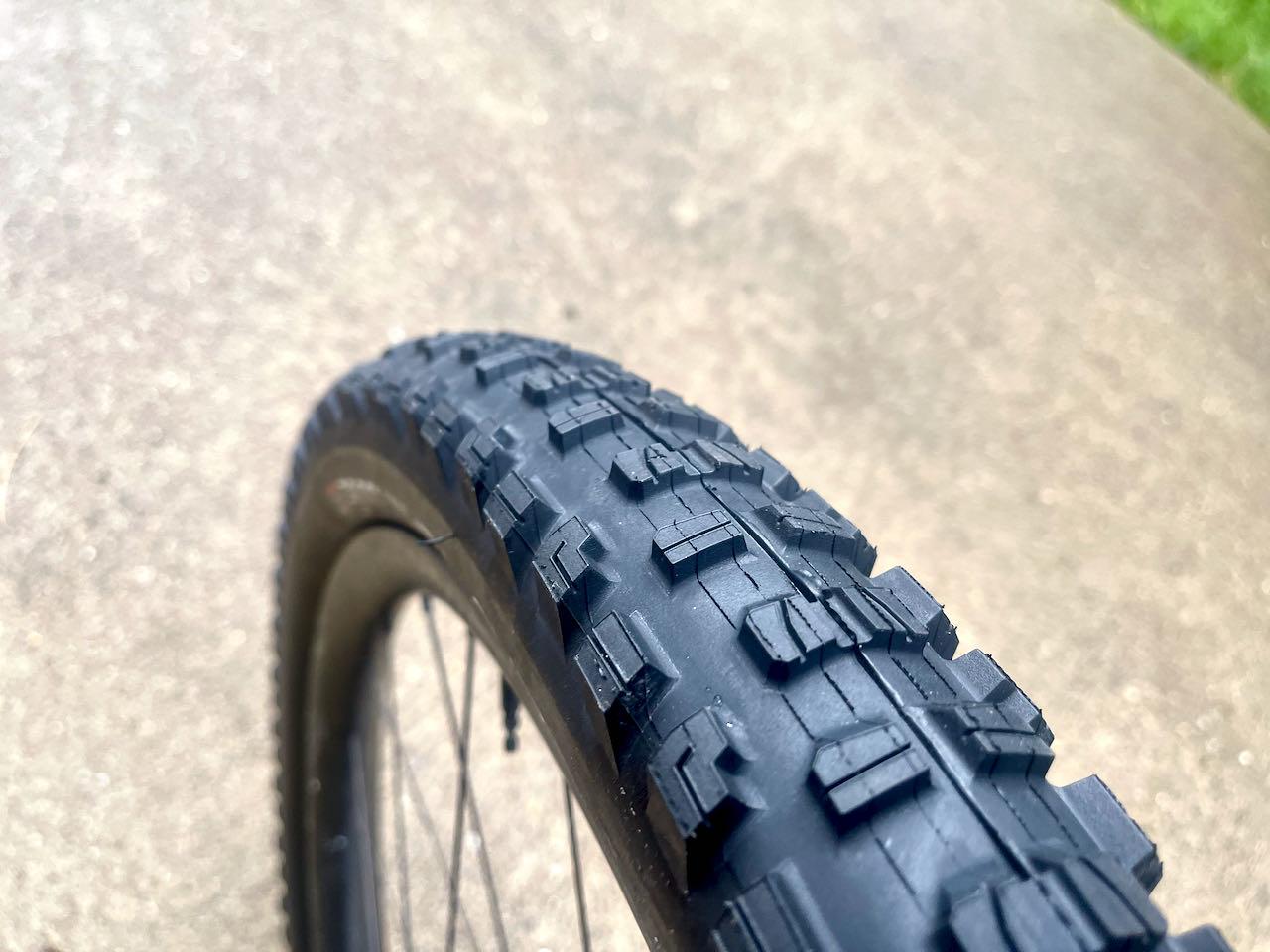 Bontrager XR5 Tread close up