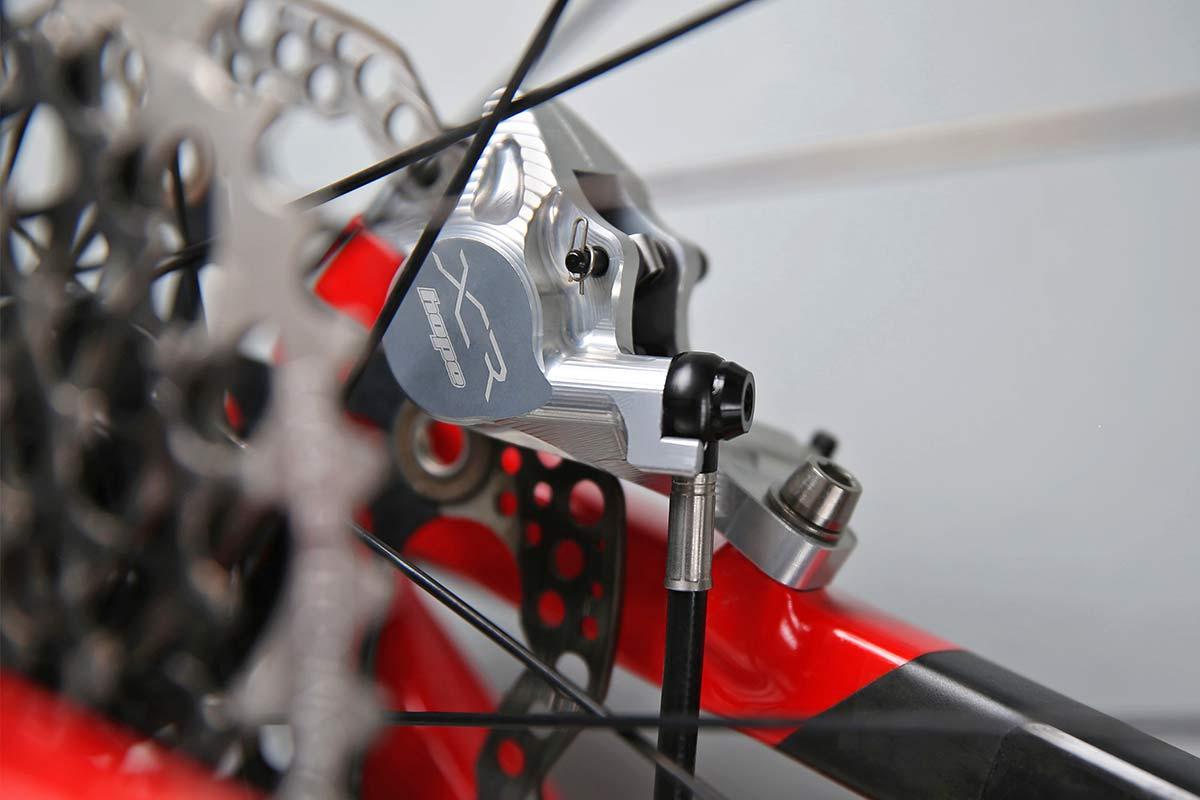 Hope XCR lightweight MTB brakes, superlight & powerful UK-made CNC-machined XC Trail mountain bike brakeset,inner detail