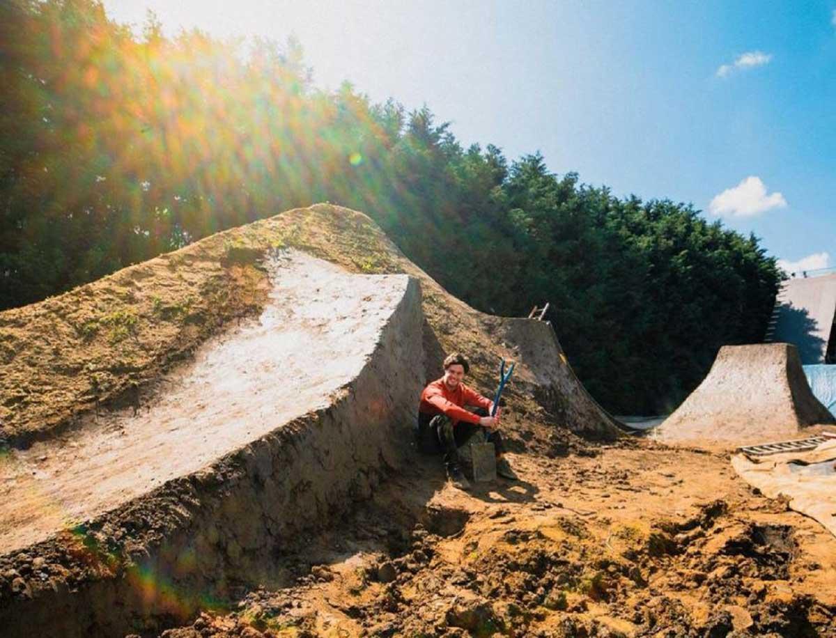 matt jones pro dirt jump athlete building a set
