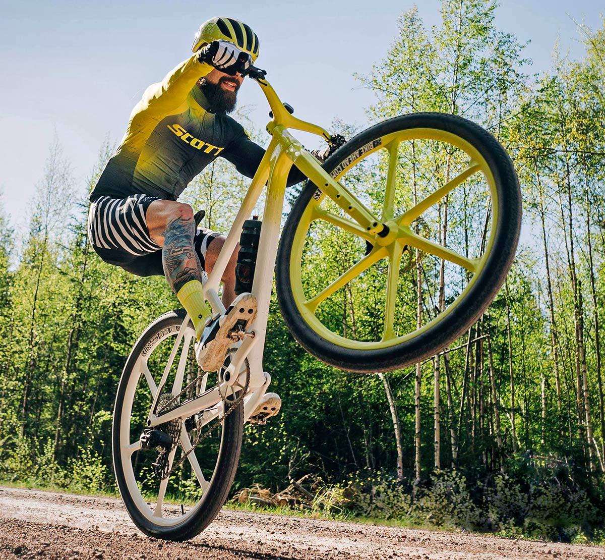 Dangerholm mellow yellow Scott Scale Gravel custom project bike, Gustav Gullholm dream bike builder, photo by Andreas Timfalt,riding