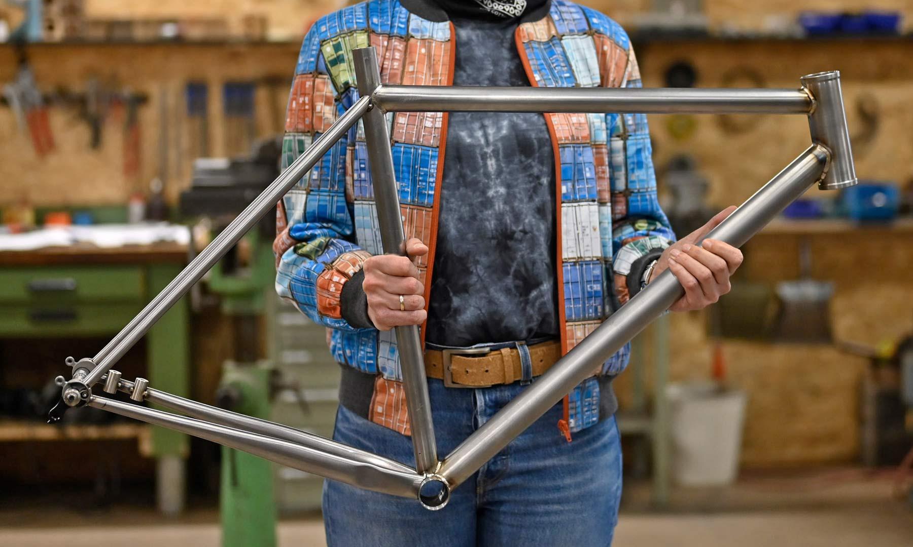 VSF Fahrradmanufaktur GX-1200 limited edition steel gravel bike, made-in-Germany, Johanna Jahnkeraw frame