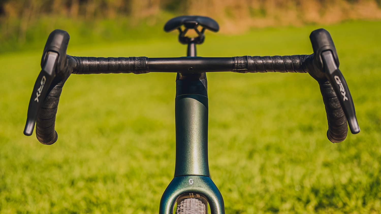 2022 Scott Addict Gravel aero integrated carbon gravel bike, Syncros Creston X bar