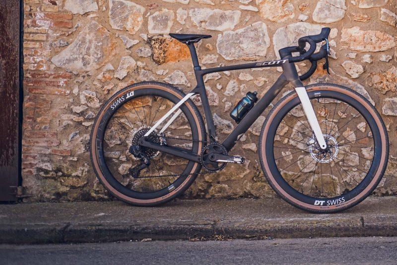 2022 Scott Addict Gravel aero integrated carbon gravel bike, Tuned
