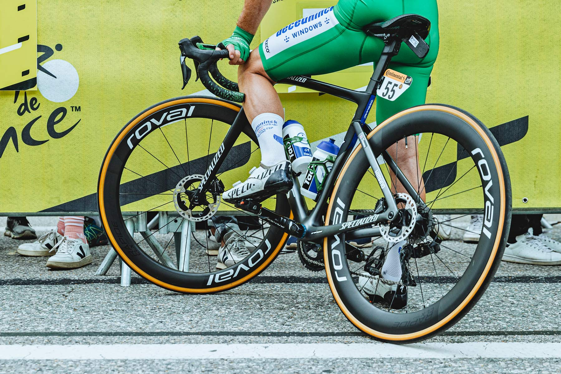2021 Mark Cavendish 3x Tour de France stage winning green sprinter jersey Specialized S-Works Tarmac SL7, photo by Chris Auld
