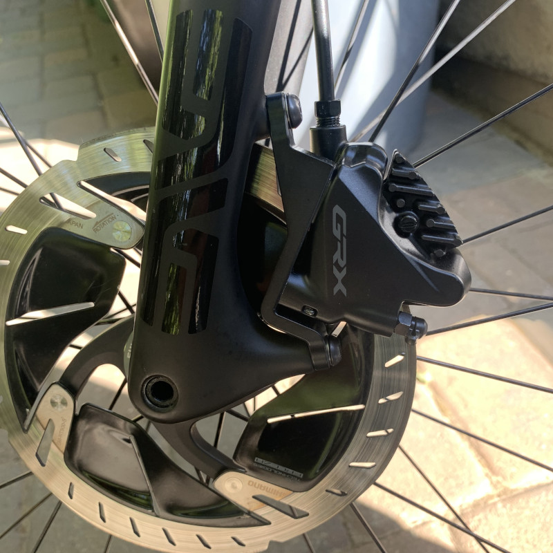 flat mount brake caliper adapter for post mount fork