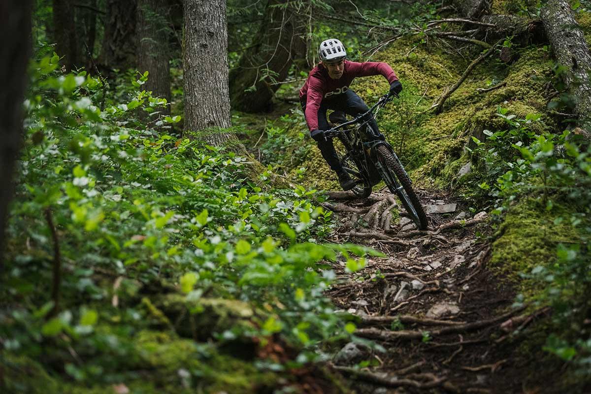 2022 norco range vlt riding rooty descent