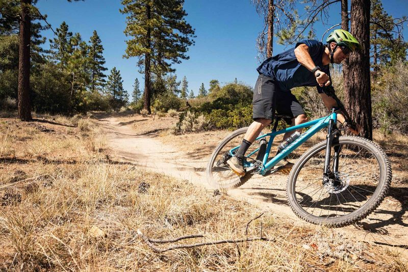 2021 canyon grand canyon hardtail mountain bike being ridden on the trails