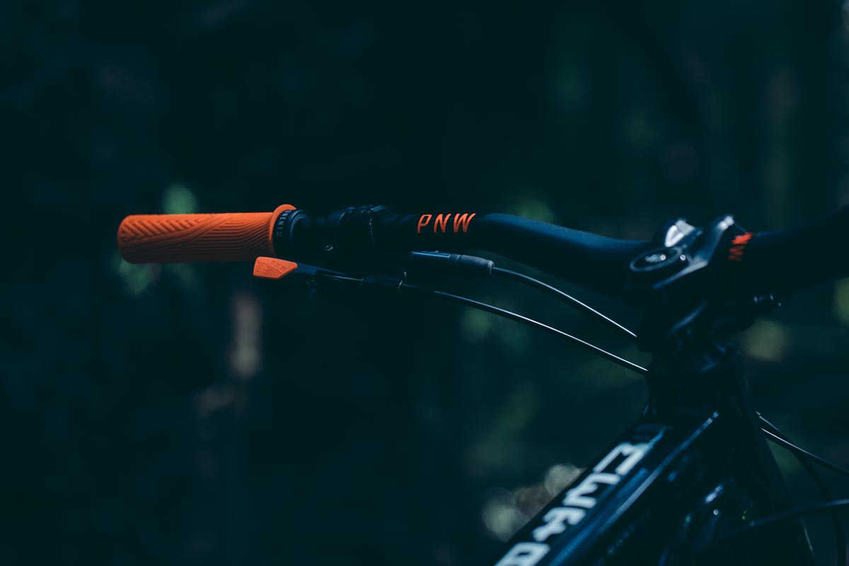 PNW Gen 3 handlebar with grips and loam lever