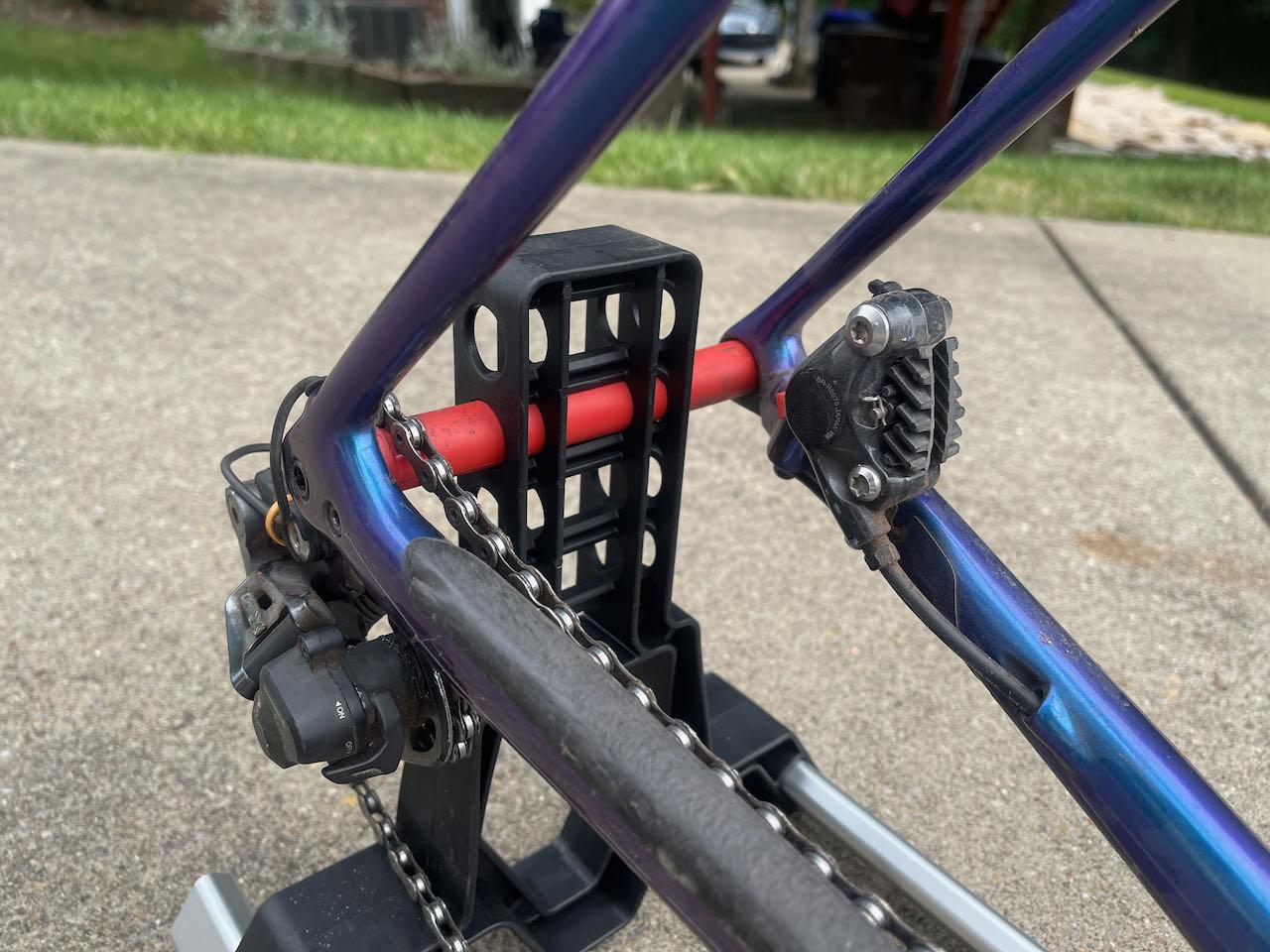EVOCs Road Bike Bag Pro drop out rear detail 2