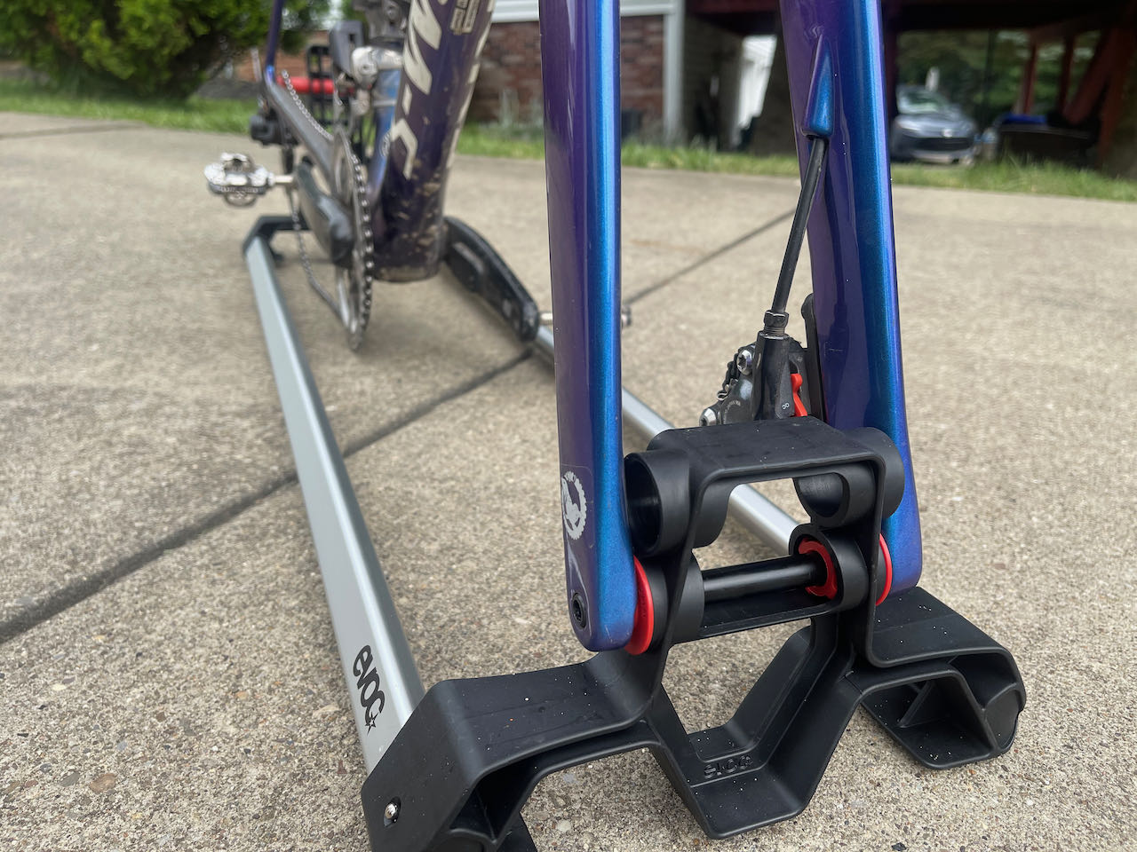 EVOCs Road Bike Bag Pro fork details 2