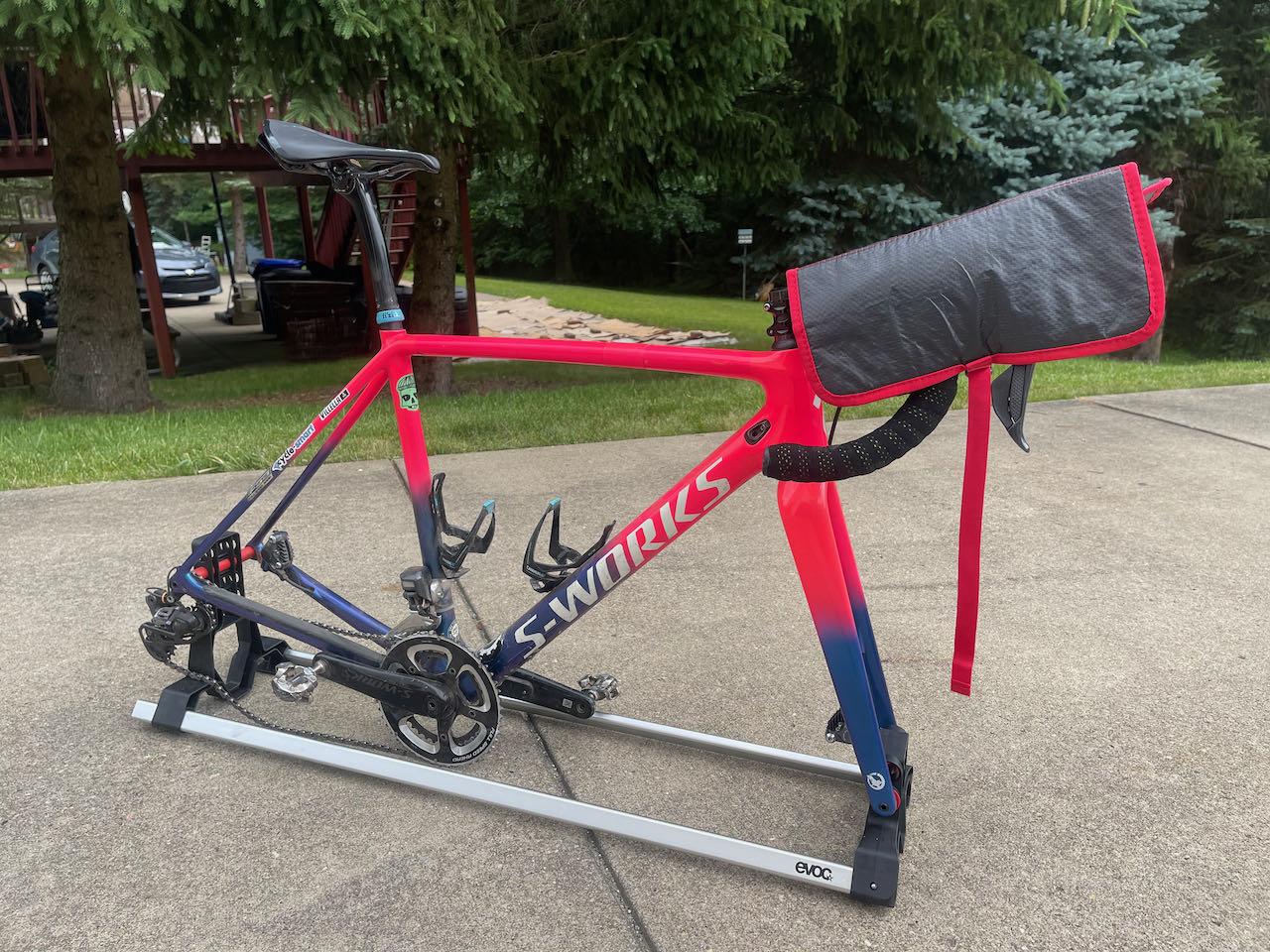 EVOCs Road Bike Bag Pro hadle bar padding installed