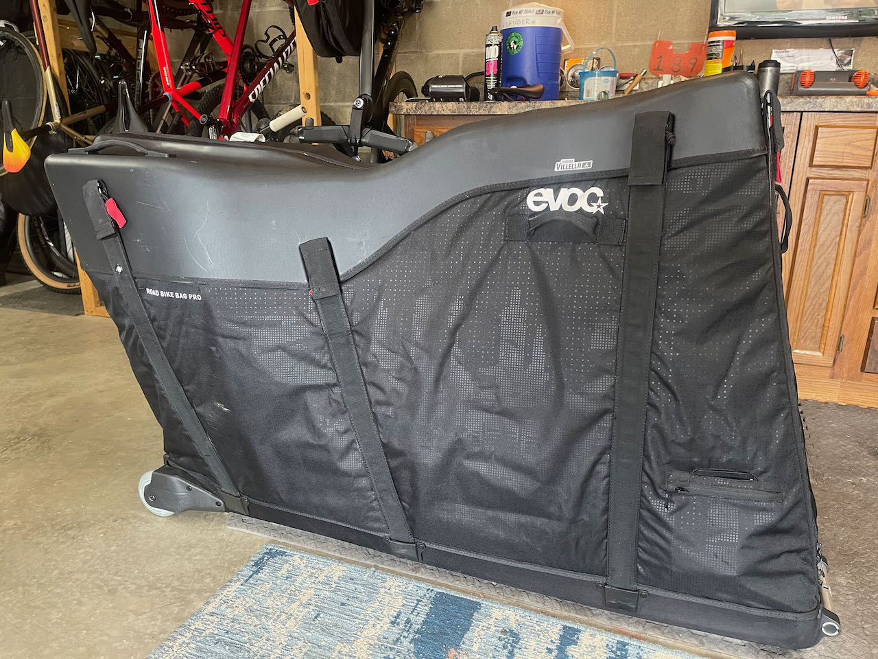 EVOCs Road Bike Bag Pro Ready to roll