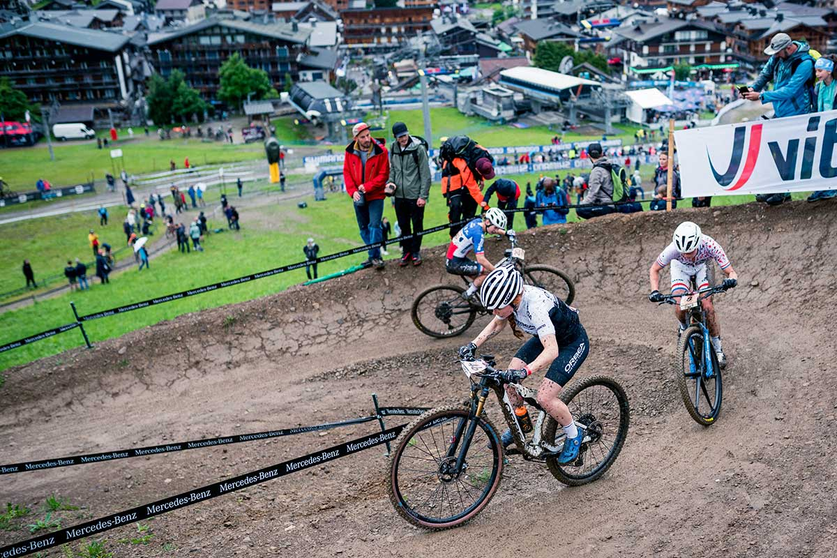 2021 world cup xco les gets womens isla short switchback climbing