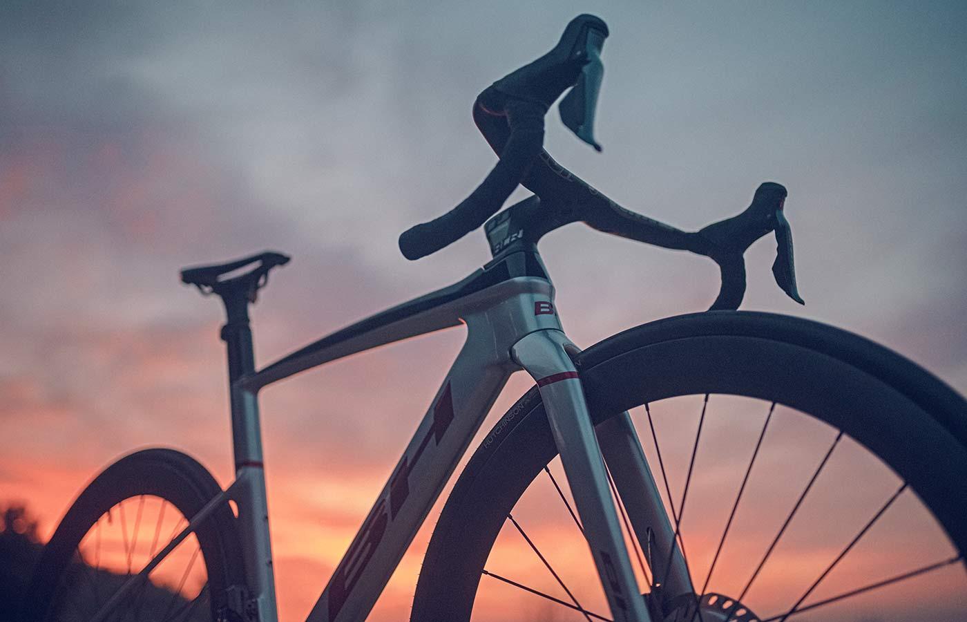 2022 BH Aerolight lightweight aero carbon all-rounder road bike,sunset