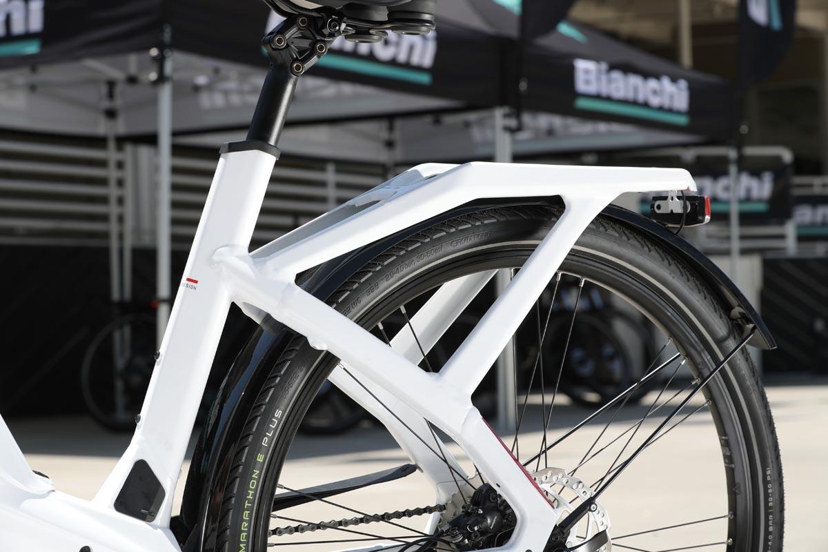 Integrated rear rack on e-bike