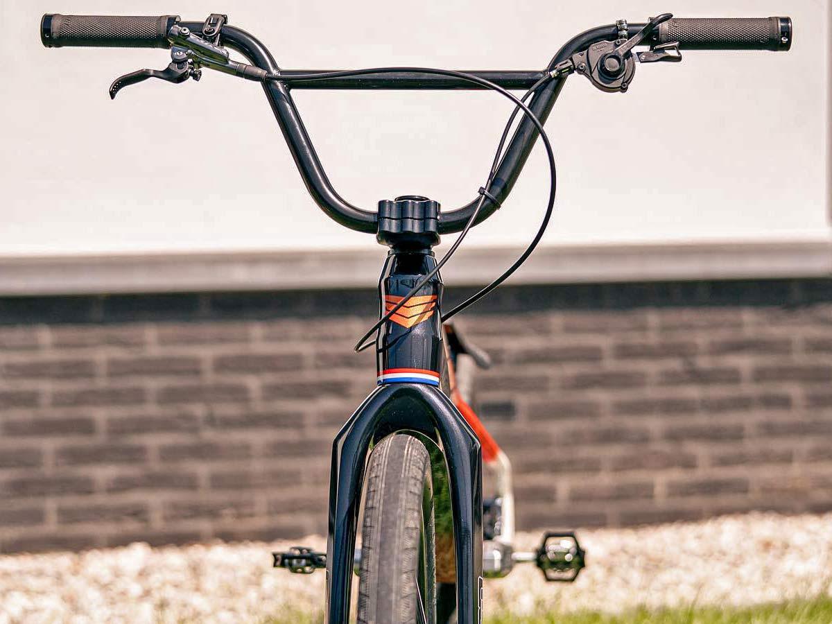 Olympic BMX prototype 2-speed derailleur gears Meybo bike, BMX World Champion Twan van Gendt, cockpit