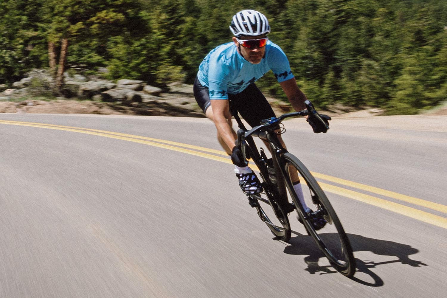 LORE LoreOne custom 3D-printed carbon road cycling shoe,riding