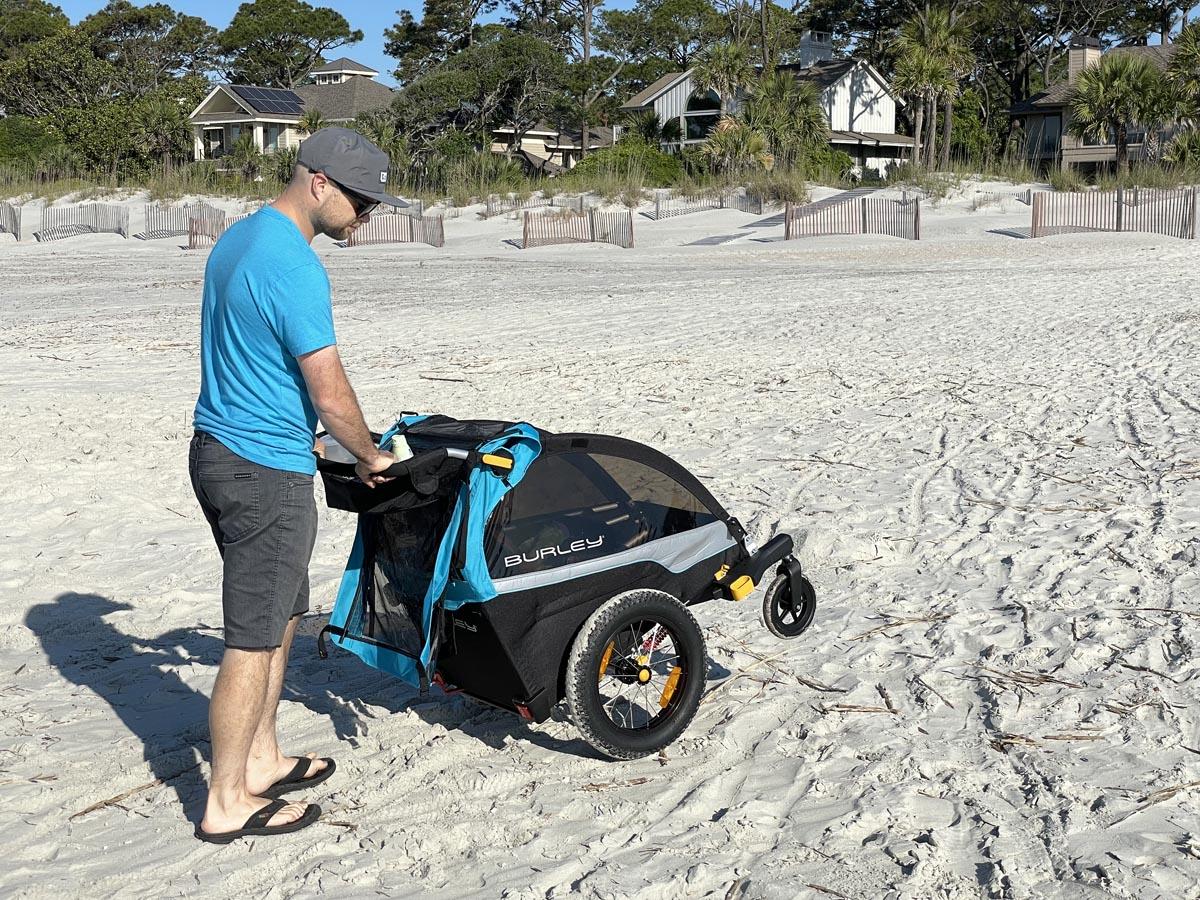 Burley stroller for the beach