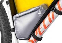 Apidura 1.5L frame Pack Hydration Bladder, Innovation Lab bikepacking frame pack water bag, inside cutaway