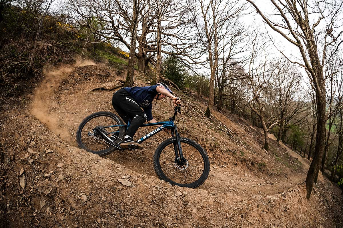 kade edwards riding 2022 trek roscoe 8