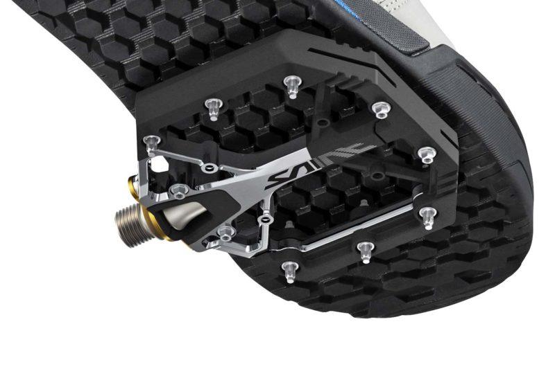 Shimano lightweight XT & Saint gravity enduro freeride DH mountain bike platform pedals, flat pedal sole